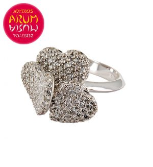 White Gold Ring with 3 Hearts 1.14 qts. RAJ398