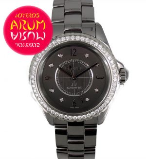 Chanel J12 Ref. ARUM 2841