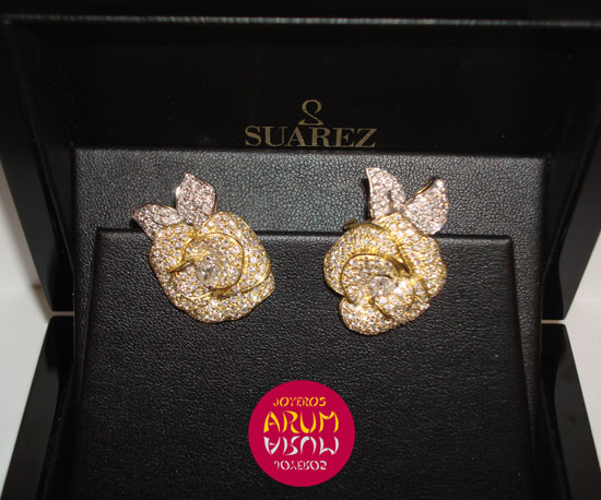 Suarez Earring Yellow Gold Flower with Brilliants